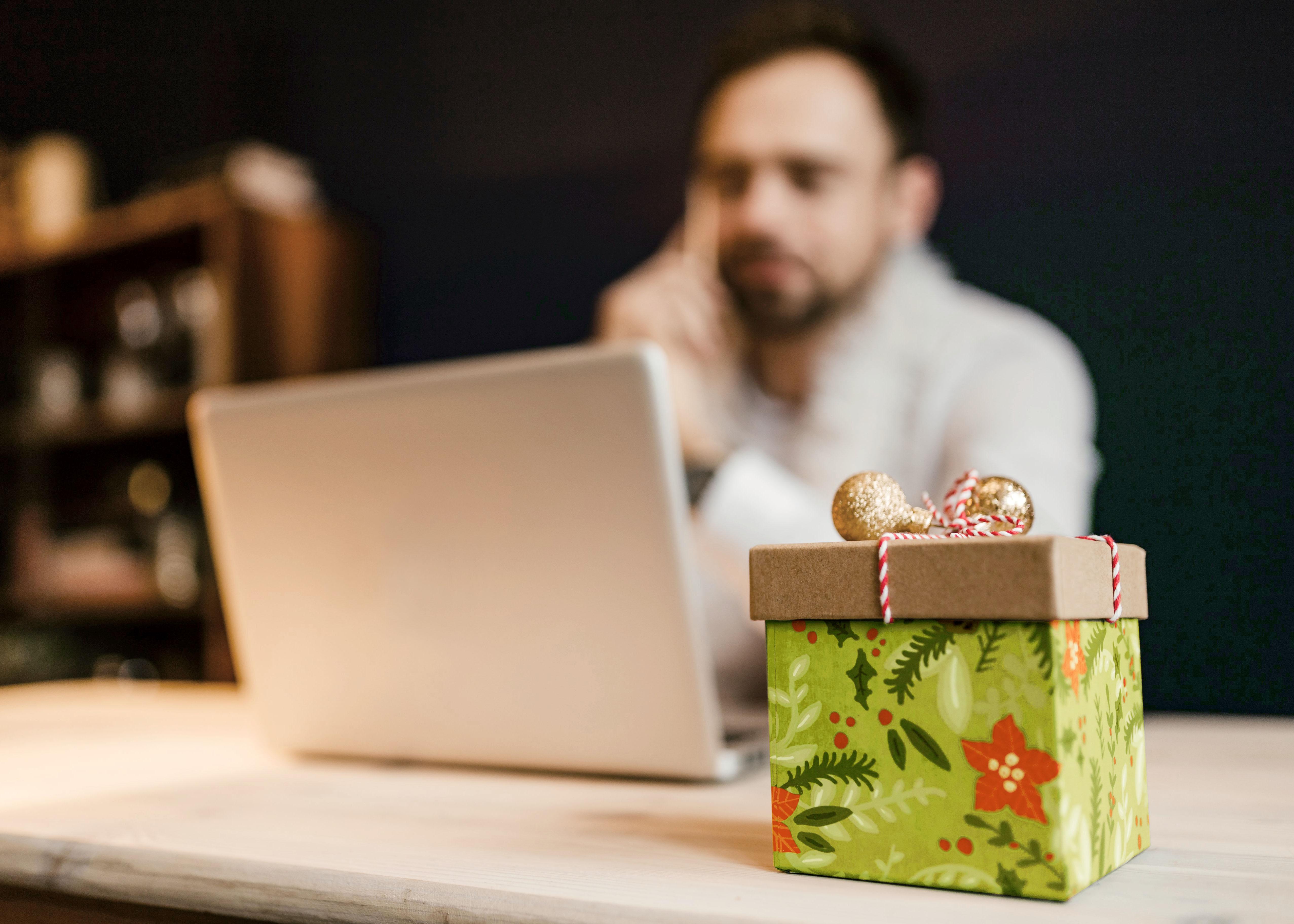 Blogbeitragsbild-weihnachten-ist-Retourenzeit_faveo